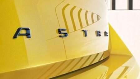 Opel Astra Teaser 2